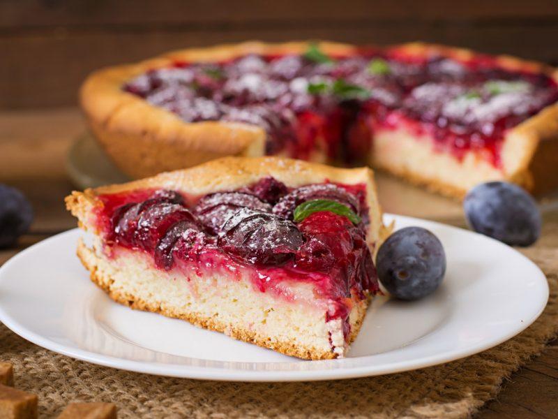 Wiosenna tarta z owocami – jak przygotować?