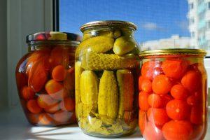Przepis na tradycyjne ogórki konserwowe